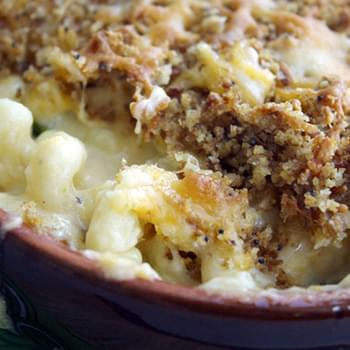 Clean Eating Jalapeño Popper Mac and Cheese