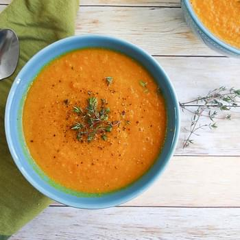 Garlicky Roasted Carrot Soup