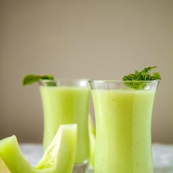 Sweet Honeydew and Mint Smoothie