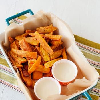 Sweet Potato Fries with Toasted Marshmallow Dip