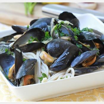 Pasta With Garlic Mussels