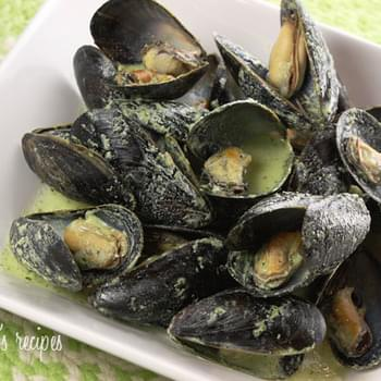 Mussels in Basil Cream Sauce