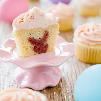 Easter Cupcakes With a Surprise Bunny Inside
