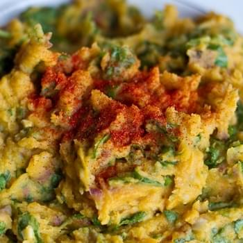 Garlic Pumpkin Mashed Potatoes with Spinach