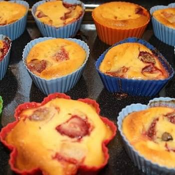 Ricotta, Strawberry and Chocolate Muffins
