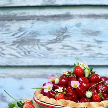 3-ingredient Fresh Strawberry Pie