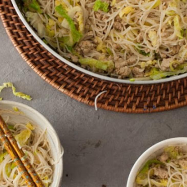 Quick Chinese Chicken & Cabbage Spaghetti