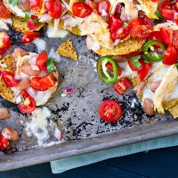 Chicken and Bean Nachos with Pico de Gallo