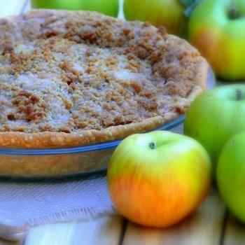 Pear-Apple Pie with Crunchy Streusel Topping