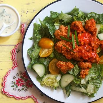 Ranch Salad With Buffalo Tempeh