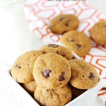 Healthy Pumpkin Chocolate Chip Cookies {Vegan}