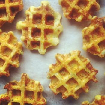 Gluten-free Lunch Waffles with apples and prosciutto