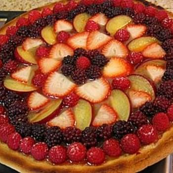 Fresh Fruit Pizza with Lemon Curd