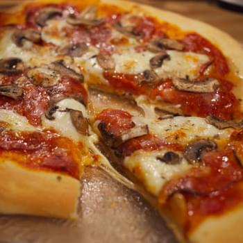Bacon & Fresh Mozzarella Pizza