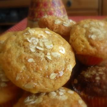 *Golden Syrup and Oatmeal Muffins*