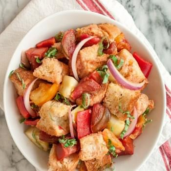How To Make Panzanella (Italian Bread Salad)