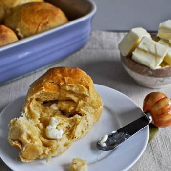 Sweet Potato and Honey Dinner Rolls