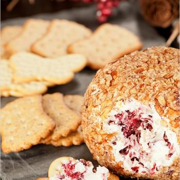 Easy Cranberry-Pecan Cheese Ball
