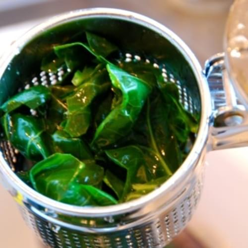 How To Cook Collards That Are Tasty AND Pretty