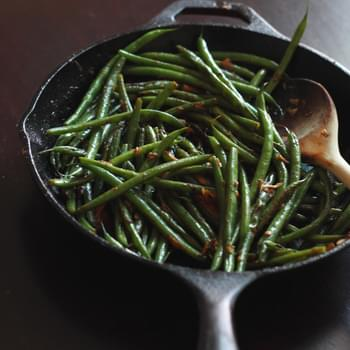 Quick Skillet Garlic Green Beans