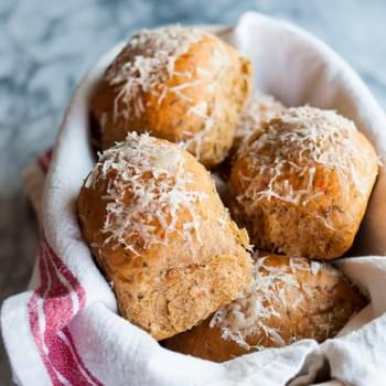 Sun-Dried Tomato & Pesto Dinner Rolls
