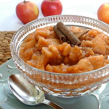 The Family Crockpot Applesauce