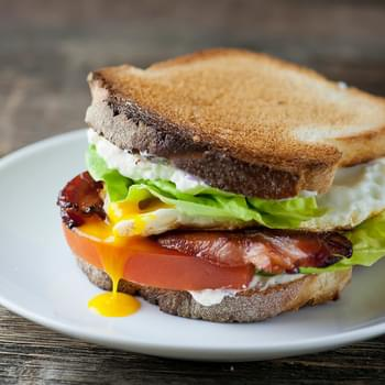 Bacon, Lettuce, Tomato and Fried Egg Sandwiches!