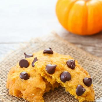 Microwave Pumpkin Chocolate Chip Cookie Mug Cake