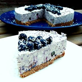 Blueberry & White Chocolate Cheesecake