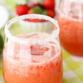 Frozen Strawberry Kiwi Moscato Cooler