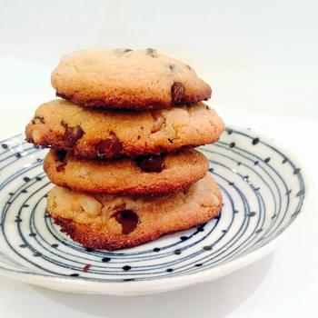 Paleo Chocolate Chip Cookies (Grain-free, Dairy-free, No refined sugar)