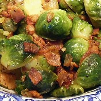 SKILLET-BRAISED BRUSSELS SPROUTS WITH BACON & ONIONS
