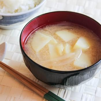 Miso Soup with Onion and Potato