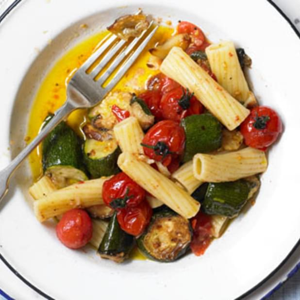 Rigatoni With Courgettes, Garlic And Cherry Tomatoes