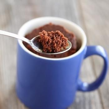 FIVE MINUTE CHOCOLATE MUG CAKE