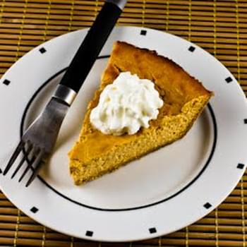 Low-Sugar Pumpkin Cheesecake Pie