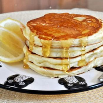 Fluffy Lemon Yogurt Pancakes