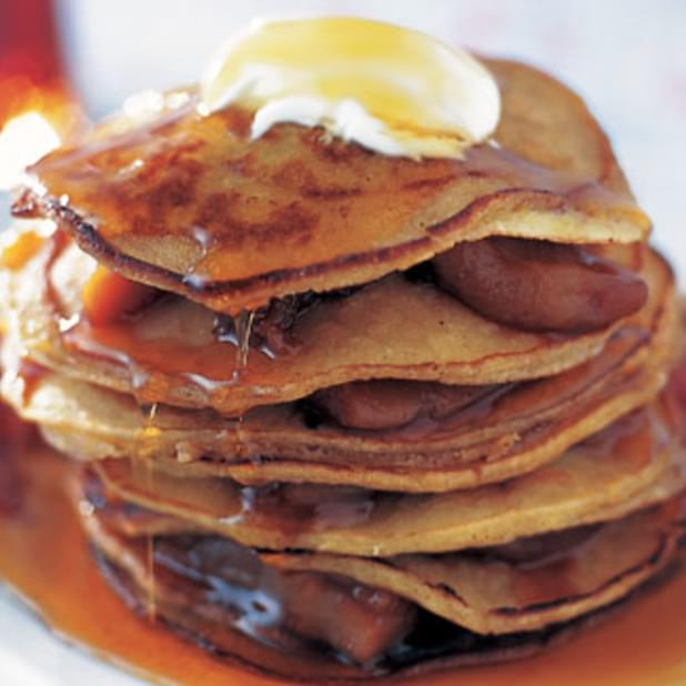 Diner-style Pancakes With Bacon And Apples