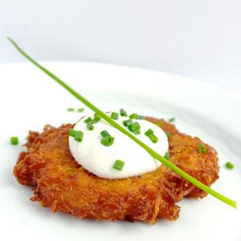 Potato Latkes with Creamy Horseradish Sauce
