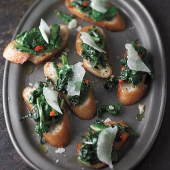 Toasts with Spicy Broccoli Rabe and Pecorino