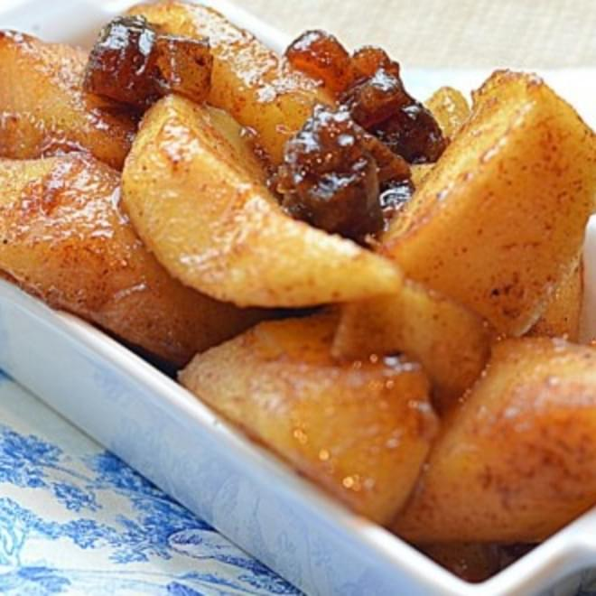 ~spiced Maple Syrup Fried Apples And Dates~