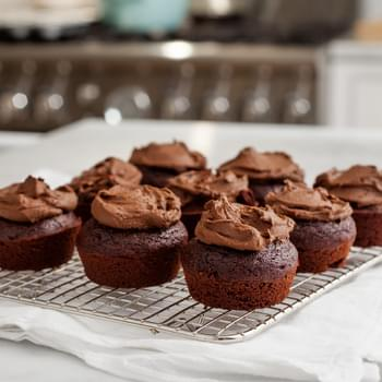 Chocolate Cupcakes & Avocado Icing