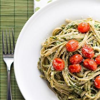 Creamy Spinach and Avocado Pasta with Roasted Tomatoes