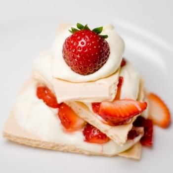 Strawberry Pavlova With White Chocolate Mousse