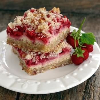 Strawberry Sour Cream Crumb Bars {grain free & gluten free}