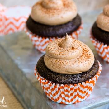 Chocolate Cupcakes with Pumpkin Spice Marshmallow Filling & Chocolate Buttercream