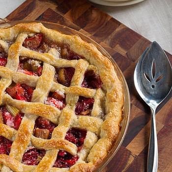 Mom's Famous Strawberry Rhubarb Pie