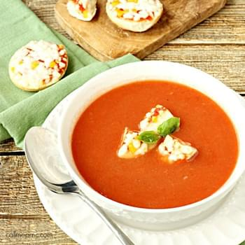 Classic Tomato Soup with Bagel Bites Croutons