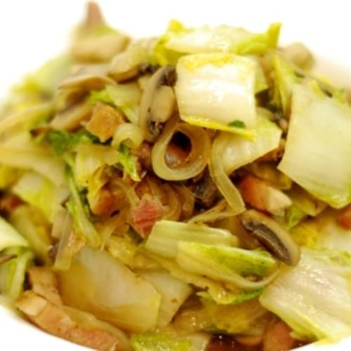 Stir Fried Napa Cabbage with Mushrooms and Bacon