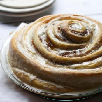 Gooey Cinnamon Roll Cake